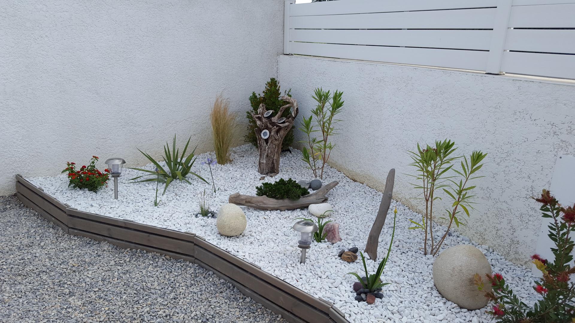 Paysagiste nimes deco flora am nage et entretien vos for Creation jardin sec